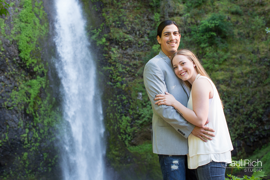 columbia-gorge-engagement-session-01