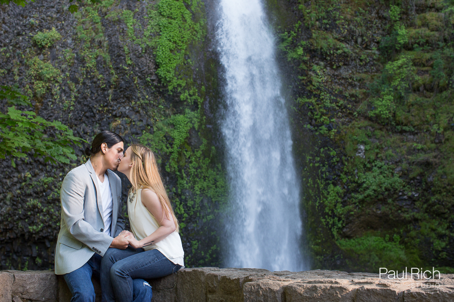 columbia-gorge-engagement-session-02